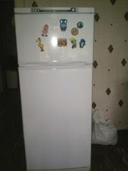 Холодильник двухкамерный Indesit ST 145