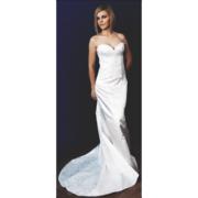 Свадебное платье со шлейфом ручной работы за себестоимость!